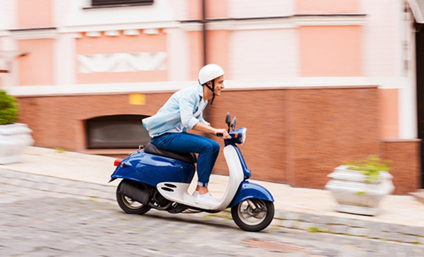 mopedversicherung sicher unterwegs auf zwei r dern devk. Black Bedroom Furniture Sets. Home Design Ideas